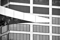 mieszkanie budynku biura w interesach miejsca pracy interes wysoki nowoczesny budynek drapacz chmur Powierzchowność budynek czarn Obraz Royalty Free