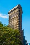 Mieszkanie Żelazny buduje Nowy Jork Manhattan w słońca niebieskim niebie Zdjęcia Stock