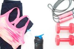 Mieszkanie nieatutowy sportów equipments na białym tle i odzież Obraz Royalty Free