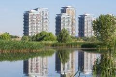 Mieszkaniowy neighbourhood blisko Parc obywatela Vacaresti Fotografia Royalty Free