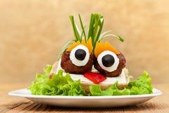 Śmieszna klopsik kanapka z warzywami Obraz Royalty Free