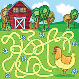 Śmieszna Wektorowa labirynt gra - kreskówka kurczak Obraz Royalty Free