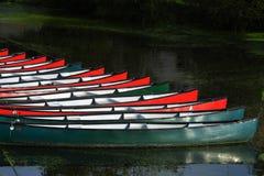 Mietboote befestigt Stockbilder
