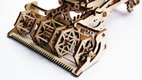 Mietitrebbiatrice di legno del giocattolo Fotografia Stock Libera da Diritti