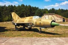 Mig 17, старое русское airplaine на старом авиаполе Стоковое Изображение RF