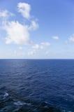 mig havssky Arkivfoto