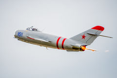 Mig-17 Jet Flying Away Imagenes de archivo