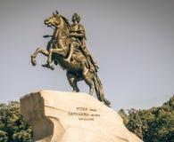 mig monument peter st för domkyrkacupolaisaac petersburg russia s saint Fotografering för Bildbyråer