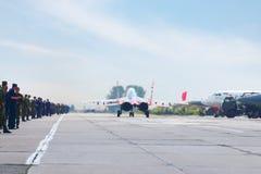 Mig 29 przyśpieszający na pasie startowym Zdjęcie Royalty Free