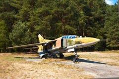 MiG 23UB, um airplaine velho do russo no museu da aviação de Finowfurt, Imagens de Stock Royalty Free