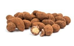 migdałów czekoladowego ścinku odosobniony ścieżki biel Fotografia Stock