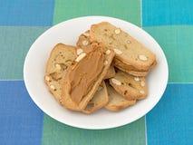 Migdałowi pistacjowi chrupiący chlebów plasterki z ciastka masłem Fotografia Stock