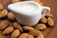 Migdału mleko z migdałami Obraz Royalty Free