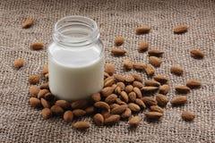 Migdału mleko Zdjęcia Stock