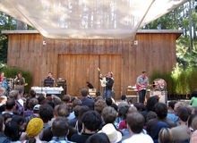 They Might Be Giants preforms at the Stern Grove Royalty Free Stock Photo