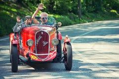 1000Miglia Italiaans historisch uitstekend autoras Stock Foto