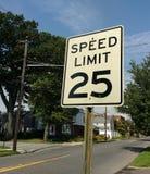 25 MIGLIA ORARIE limite di velocità Fotografia Stock