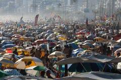 Migliaia di bagnanti in spiaggia di Rio de Janeiro Fotografia Stock Libera da Diritti