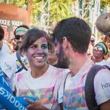 Migliaia di gente partecipano al funzionamento 2014 di colore a Milano, Italia Fotografia Stock