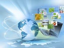 Migliore concetto del Internet del commercio globale Globo, linee d'ardore su fondo tecnologico Elettronica, Wi-Fi, raggi Fotografia Stock