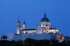 Migliore punto di vista di Almudena Cathedral a Madrid Immagini Stock