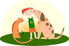 Migliori amici, ragazzo con un cane e gatto Fotografia Stock Libera da Diritti