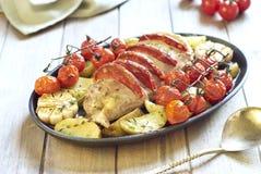 Mignon de prendedero cocido con el chorizo y las verduras Fotos de archivo