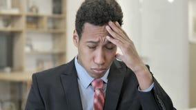 Migrena, Zaakcentowany Afrykański biznesmen zbiory wideo