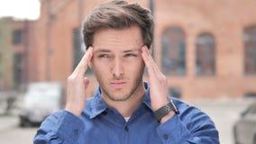 Migrena, Zaakcentowany młodego człowieka Czuć Niewygodny zbiory