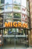 Migros-Schweizergemischtwarenladen lizenzfreie stockfotos