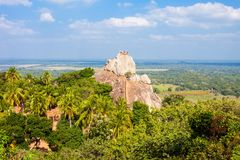 Mihintale Aradhana Gala Rock stock fotografie