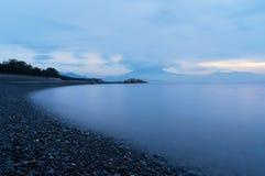 Miho seashore przy wschód słońca w Shizuoka Japonia Wodny nawierzchniowy natura fotografia royalty free