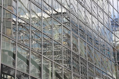 Miirror που χτίζει το ανακλαστικό εξωτερικό Στοκ Εικόνες