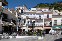 MIJAS ANDALUCIA/SPAIN - JULI 3: Sikt av Mijas Andalucia Spanien Arkivbild