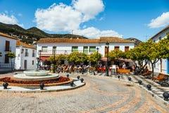 Mijas is een charmant wit dorp in Andalusia met witte huizen, Spanje Royalty-vrije Stock Foto's