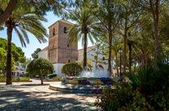 Mijas park en kerk Royalty-vrije Stock Afbeeldingen