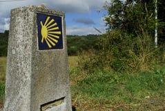 Mijlpaal van Camino DE Santiago dichtbij van een Torre, Lugo provin Royalty-vrije Stock Afbeelding