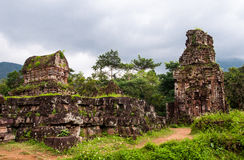 Mijn ruïnes van de Zoons Hindoese tempel Stock Foto's