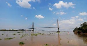 Mijn Thuan kabel-gebleven brug in Lange Vinh stock afbeelding