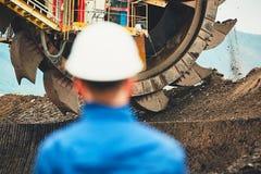Mijnbouw in een open kuil royalty-vrije stock foto