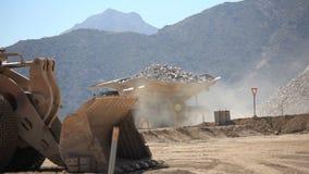 Mijnbouw, Grote Vrachtwagen stock video