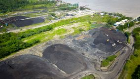 Mijnbouw Luchtborneo Indonesië stock foto's