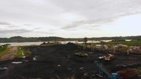Mijnbouw Luchtborneo Indonesië stock video