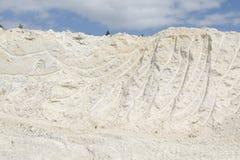 Mijnbouw van zuiver wit kaoliniet Stock Foto
