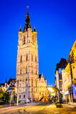 Mijnheer, de Toren van Vlaanderen, België - van Belfort bij nacht stock fotografie