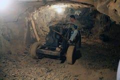 Mijnwerker bij de Wanda-mijnen in de Misiones-Provincie, Argentinië royalty-vrije stock afbeelding