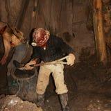 Mijnwerkers die in potosìmijn werken in Bolivië royalty-vrije stock foto's