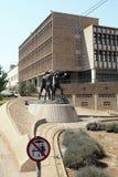 Mijnwerkers` s standbeeld in Johannesburg van de binnenstad stock foto