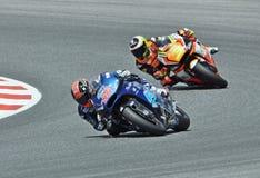 Mika Kallio e Simone Corsi no circuito de Catalonia Fotografia de Stock Royalty Free