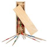 Mikado - bâtons et boîte en bois photographie stock libre de droits